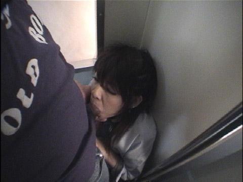 Fuck\in痴漢電車4素人女子○生美女多数 無修正画像04