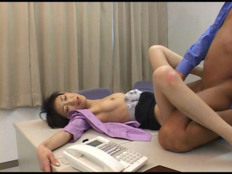 ポルノワールド 素人OLの日常絹川紗代季 無修正画像11