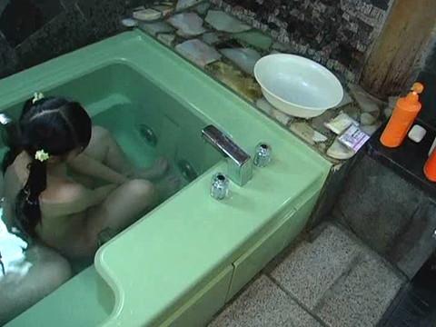 いとこのロリ少女とお風呂に入りエッチな悪戯 Vol.2 無修正画像01