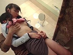 ちっぱい胸が可愛い志帆ちゃんは妄想大好きエロエロ美少女!ツルツルおマンコに挿入して生セックス