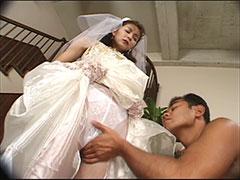 結婚間近のAV女優に陵辱セックスでお祝い